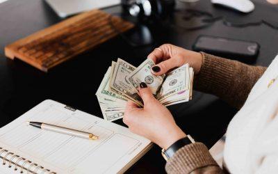 Čo robiť, ak vám zamestnávateľ dlhuje výplatu?